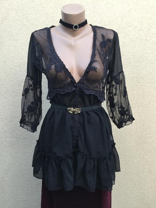Очень красивая,чёрная,кружевная блуза,рубашка с баской,рюши,во...