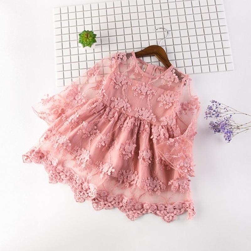 Нежное и милое шифоновое платье с вышивкой. спешите, количеств...