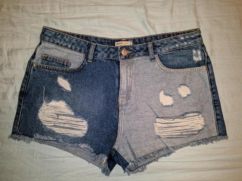 !продам женские джинсовые шорты cropp