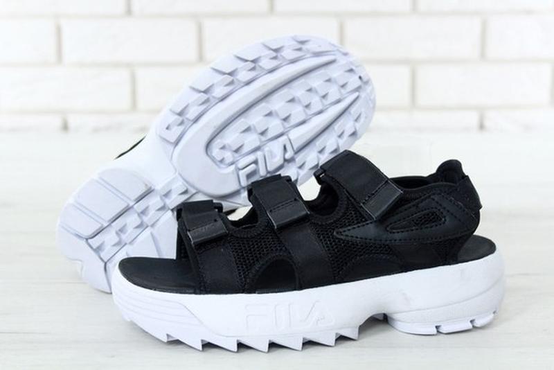 Босоніжки босоножки fila disruptor sandals сандалі сандалии