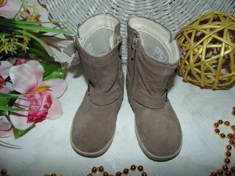 Шикарные сапожки clarks 22.5(6f)р,ст.14,5 см.мега выбор обуви ... - Фото 2