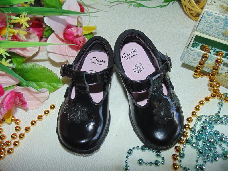 Мигают.шикарные туфли clarks