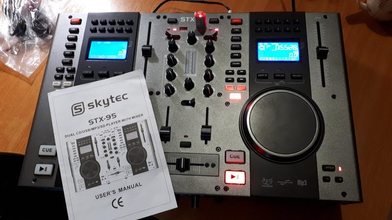 DJ контроллер Skytec STX 95