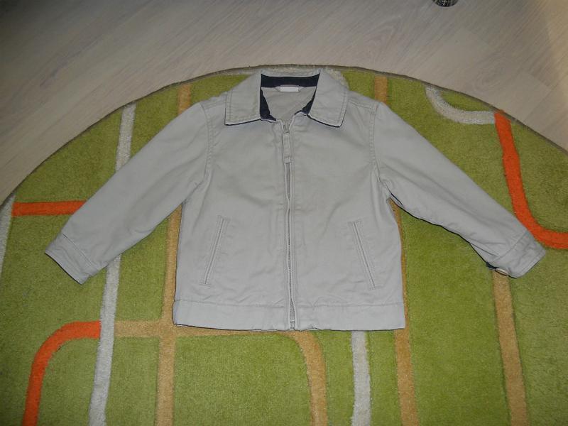 Легенька курточка на підкладці, на 2 - 3 роки.