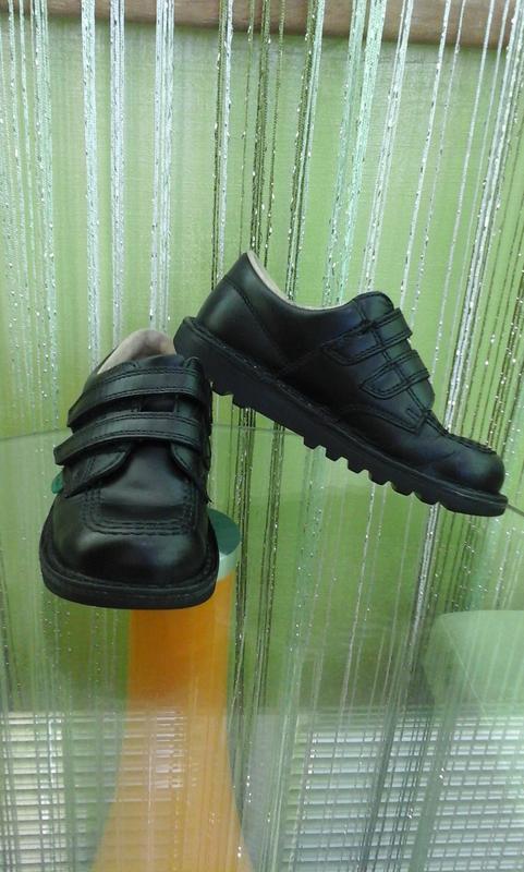 Фірмові туфлі kickers 29 р., стелька 18,5 см., шкіра, дуже круті.