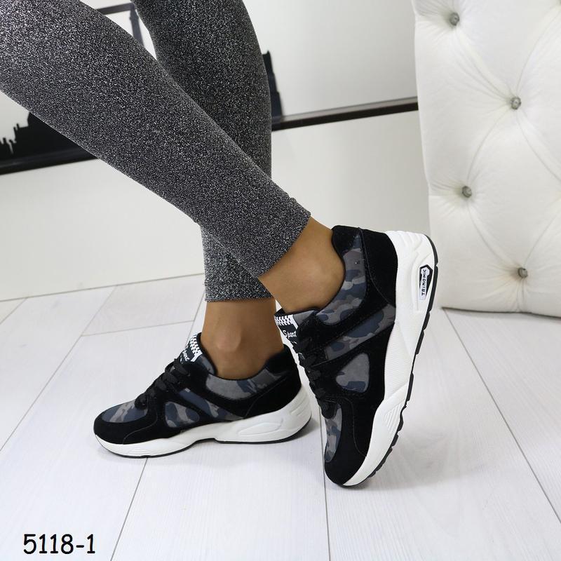 Кроссовки женские камуфляжные с чёрным - Фото 2