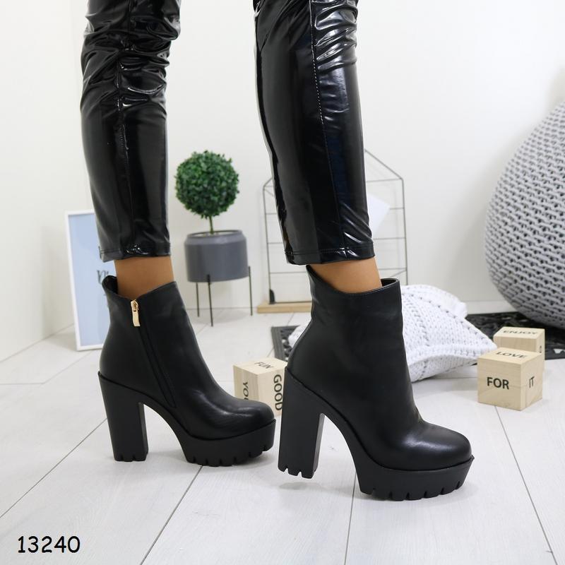Женские весенние ботинки на высоком каблуке - Фото 5