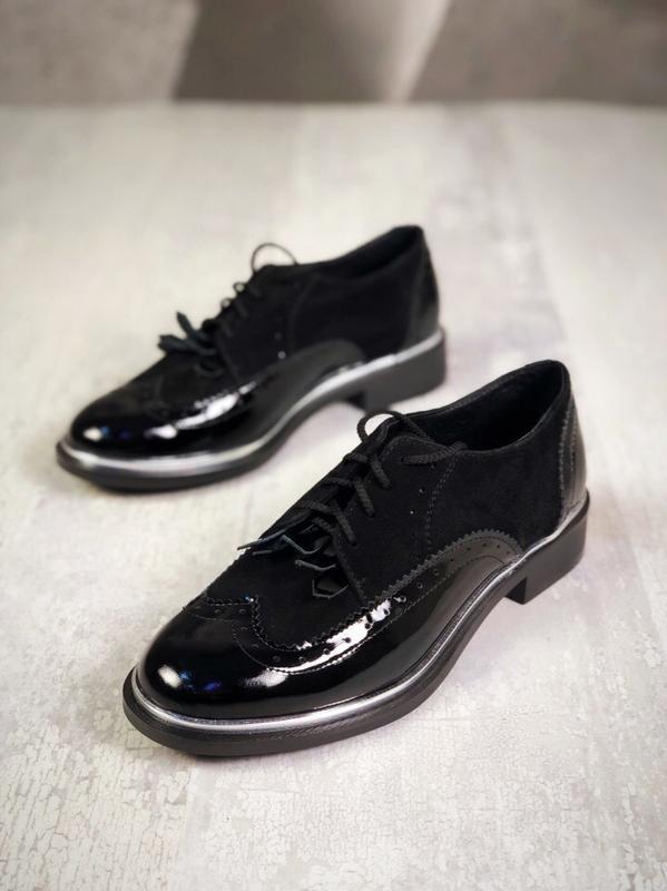 Люксовые кожаные замшевые лаковые закрытые туфли на шнурках