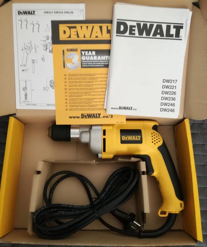 Дрель DeWalt DW221 із швидкозажимним патроном