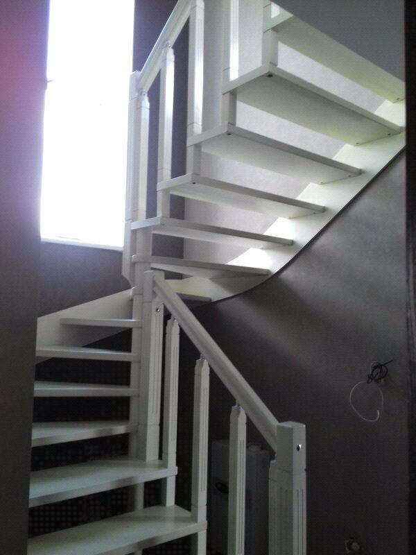 Монтаж деревянной лестницы, изготовление ,реставрация .Опыт работ - Фото 5