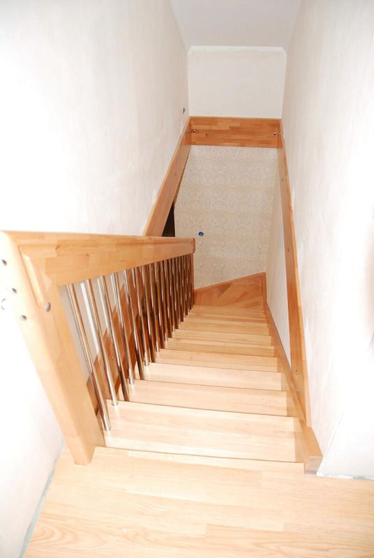 Монтаж деревянной лестницы, изготовление ,реставрация .Опыт работ - Фото 9