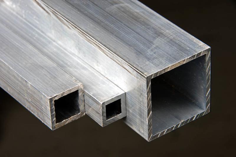 Алюминиевая квадратная труба 100х100х2 АД31 Т5
