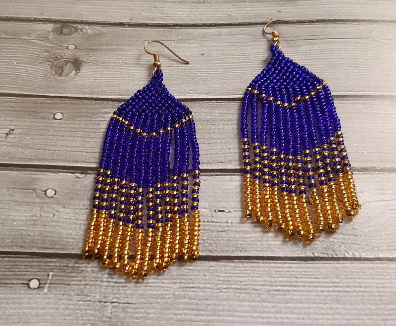 Серьги из синего и золотого бисера - Фото 2