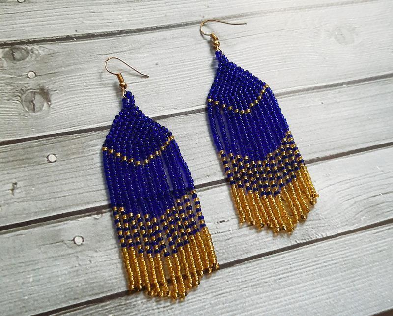 Серьги из синего и золотого бисера - Фото 3