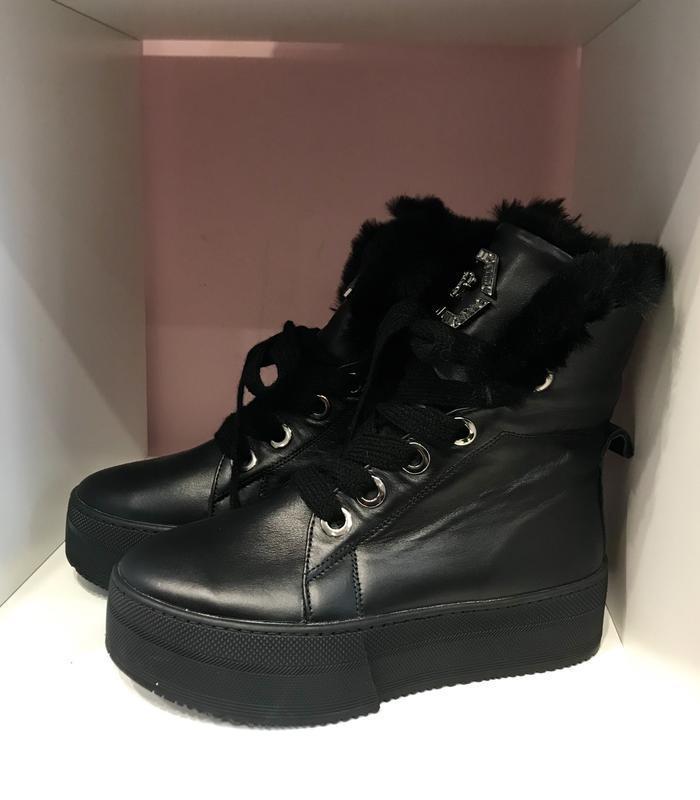 Стильнючі зимові чобітки на високій підошві, шкіра, 39