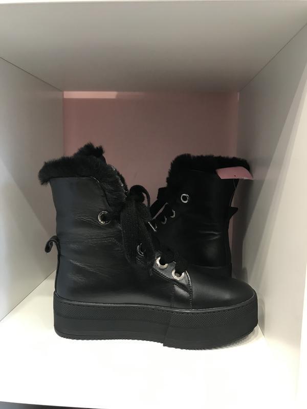 Стильнючі зимові чобітки на високій підошві, шкіра, 39 - Фото 2