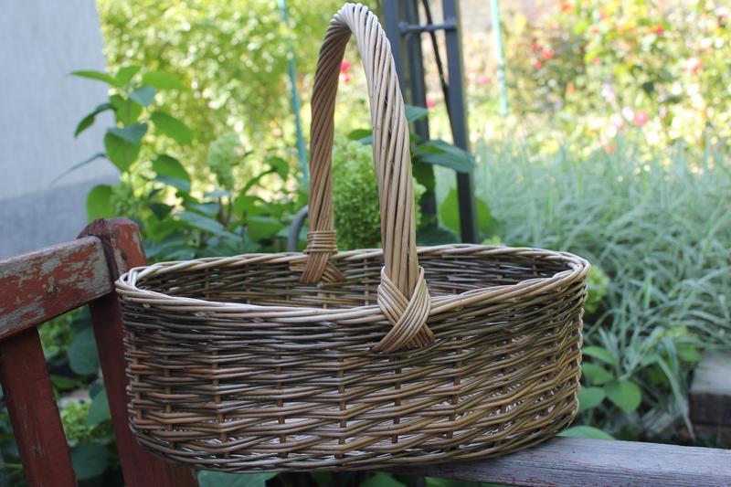 корзина плетенная из лозы