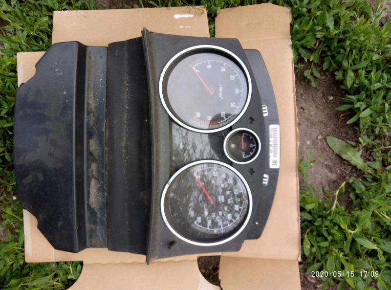 Панель приборов спидометр щиток приладів Opel Astra H 13251608