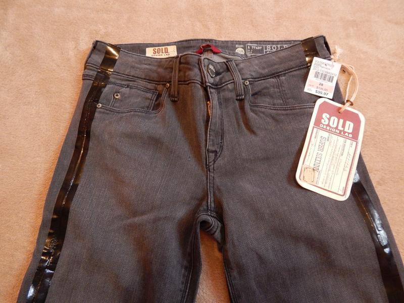 Фирменные джинсы-скинни sold design lab. размер 27 и 28.