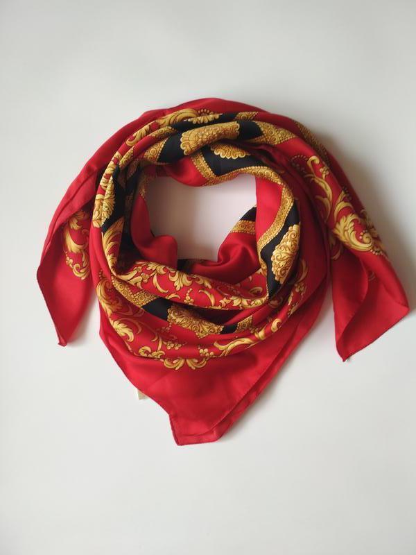 Красивый итальянский платок
