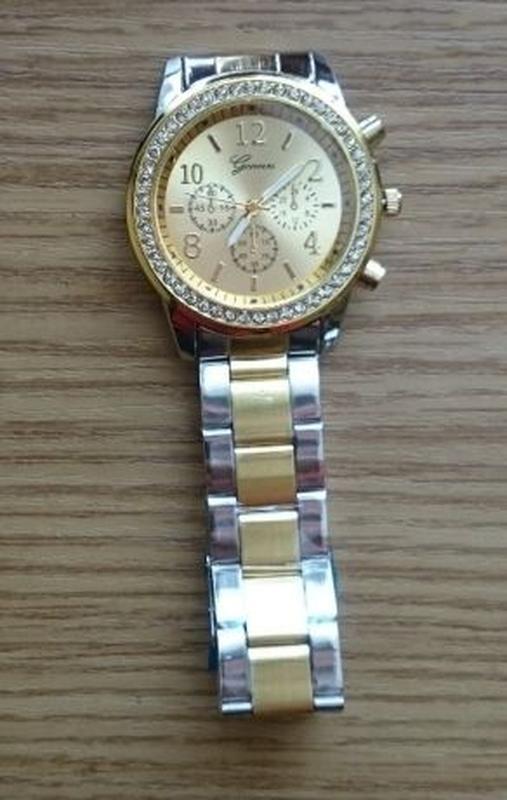 Женские стальные наручные часы женева Geneva серебро-золото