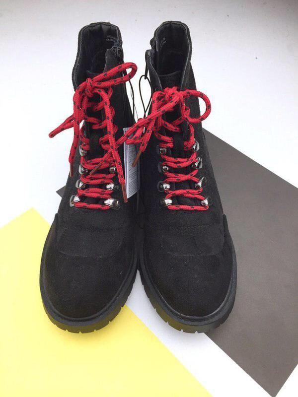 Стильные ботинки на шнуровке sinsay - Фото 3