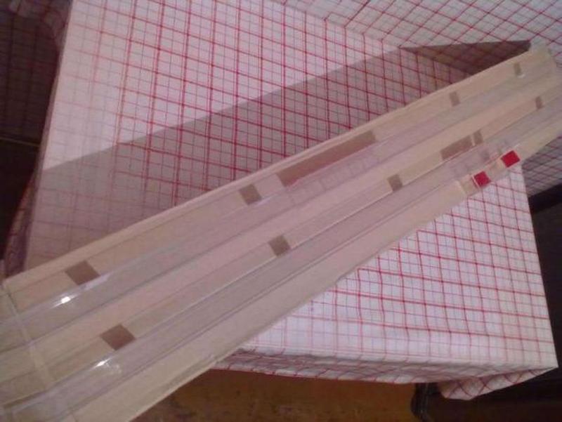 Пластмассовые рейки с держателями. - Фото 3
