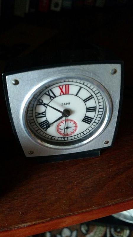 Настольные часы продам часы harry ломбард winston