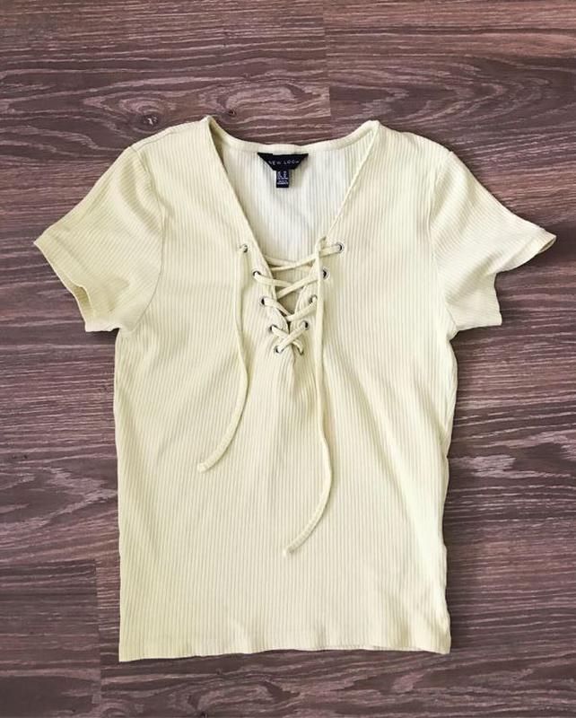 Летняя футболка в рубчик New Look размер Xs-S желтая