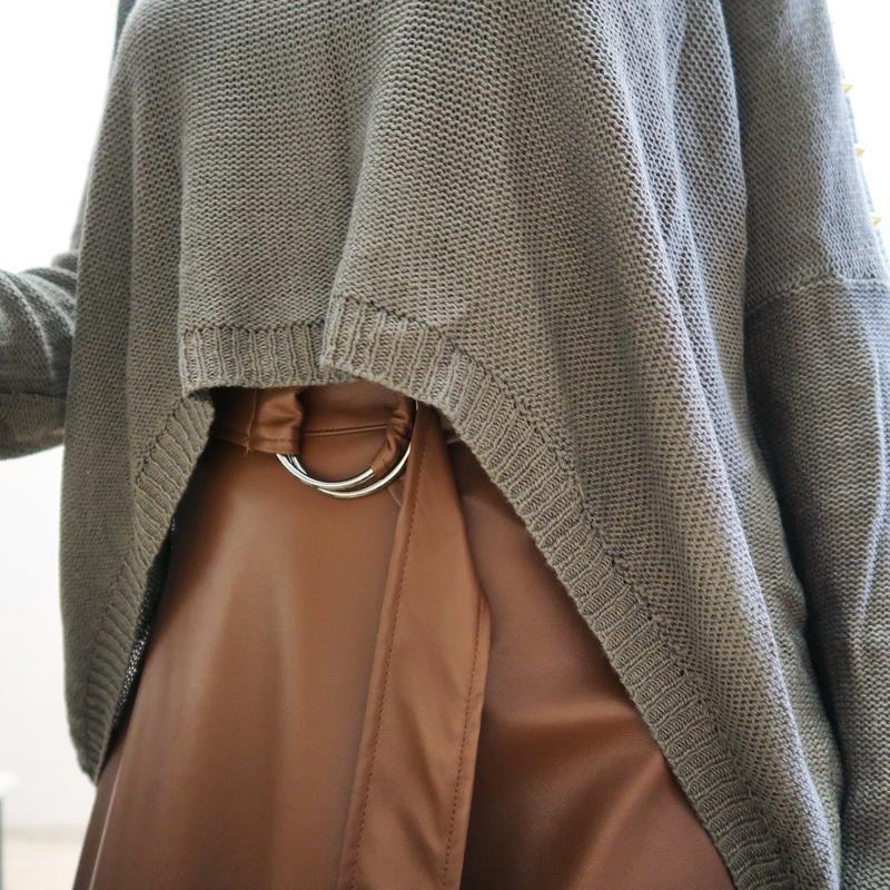 Новый асимметричный свитер оверсайз со спущенной линией плеча ... - Фото 3