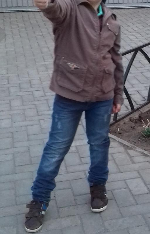 Куртка вельветовая. на 6-9 лет
