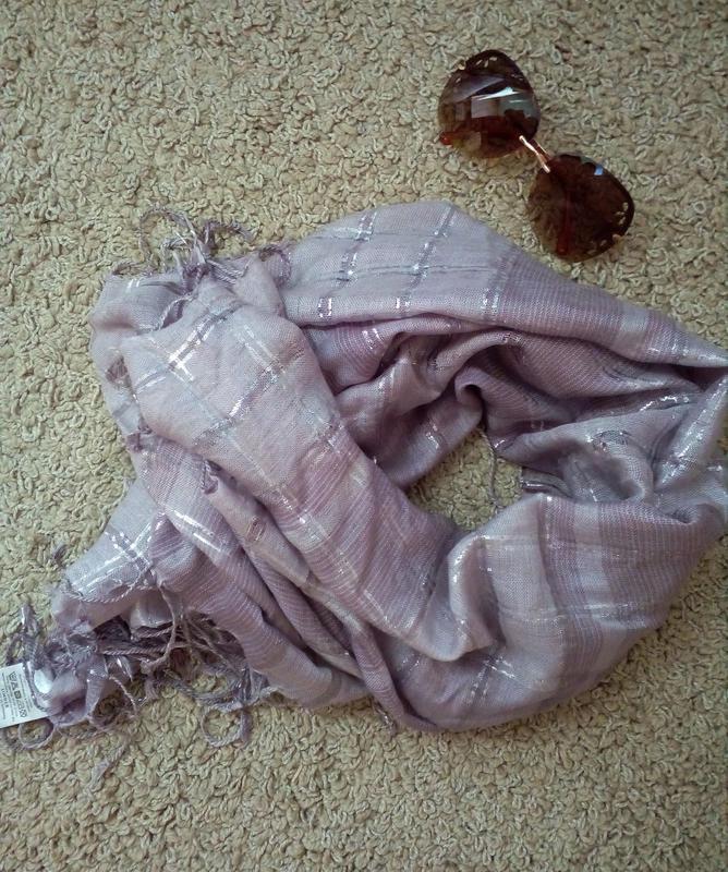 Lindex швеция  стильний шарф/ платок с бахромой и металлическо...