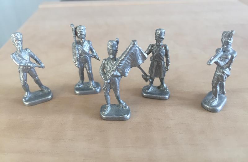Оловянные солдатки 5 шт. (3 см на 1 см)