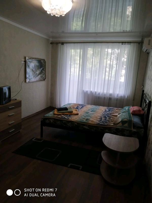 Сдам однокомнатную квартиру с евроремонтом ,в центре города. - Фото 2