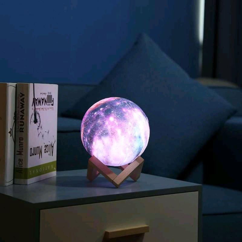 Дизайнерская, яркая Сенсорная лампа ночник 3D космос 18см - Фото 2