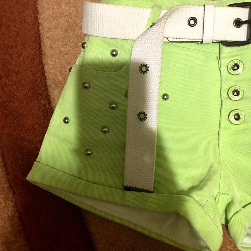Шорты шортики салатовые под джинс средняя посадка на заклёпках