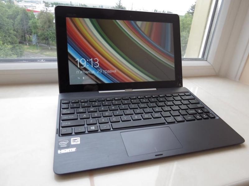Ноутбук трансформер Asus T100 Intel 4 ядра 32Gb SSD/2Gb Ram