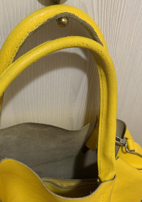 Яркая желтая сумка шоппер  из натуральной кожи - Фото 2