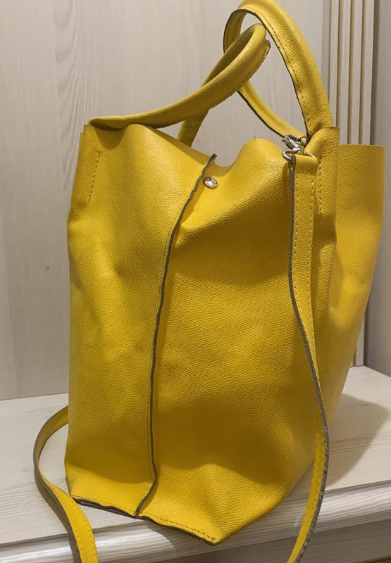 Яркая желтая сумка шоппер  из натуральной кожи - Фото 4