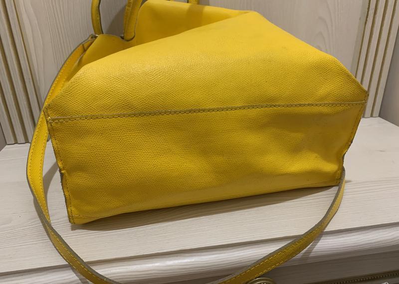 Яркая желтая сумка шоппер  из натуральной кожи - Фото 5