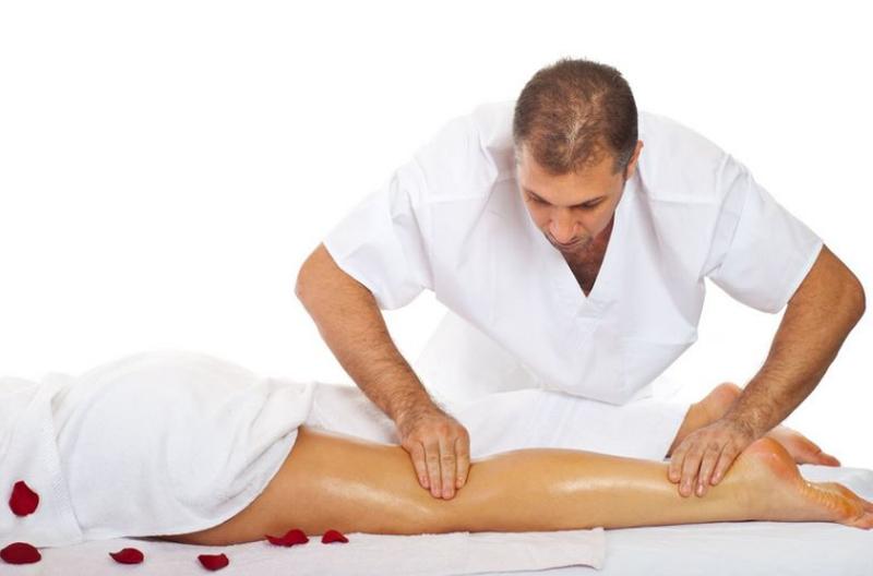 Массаж Вас беспокоит боль в спине шее остеохондроз Проф Лечение Б