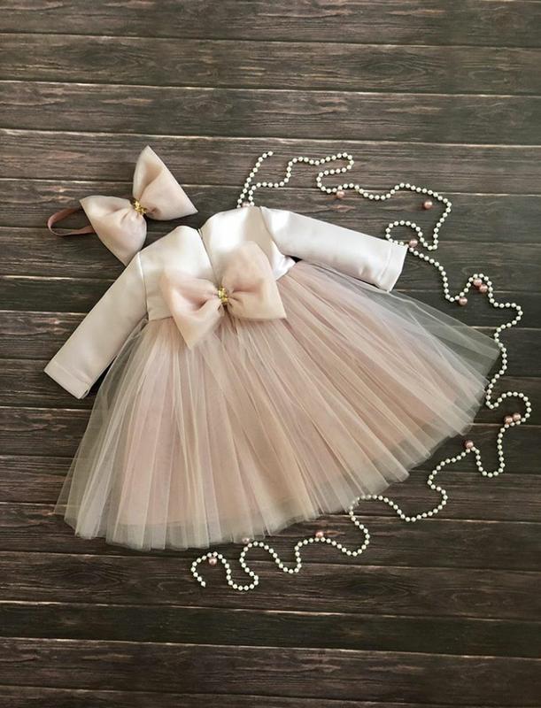 Фатиновое платье с бантом
