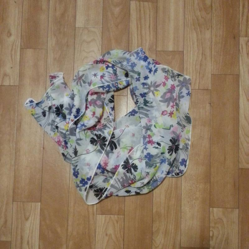 Шифоновый шарф цветы
