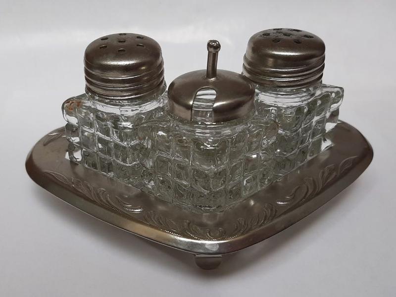 Столовый прибор для специй. Солонка солянка СССР