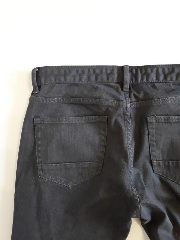 Фирменные джинсы слим - Фото 3