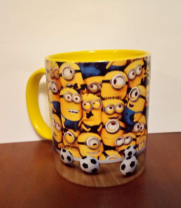 Чашка керамическая с принтом миньоны - Фото 2