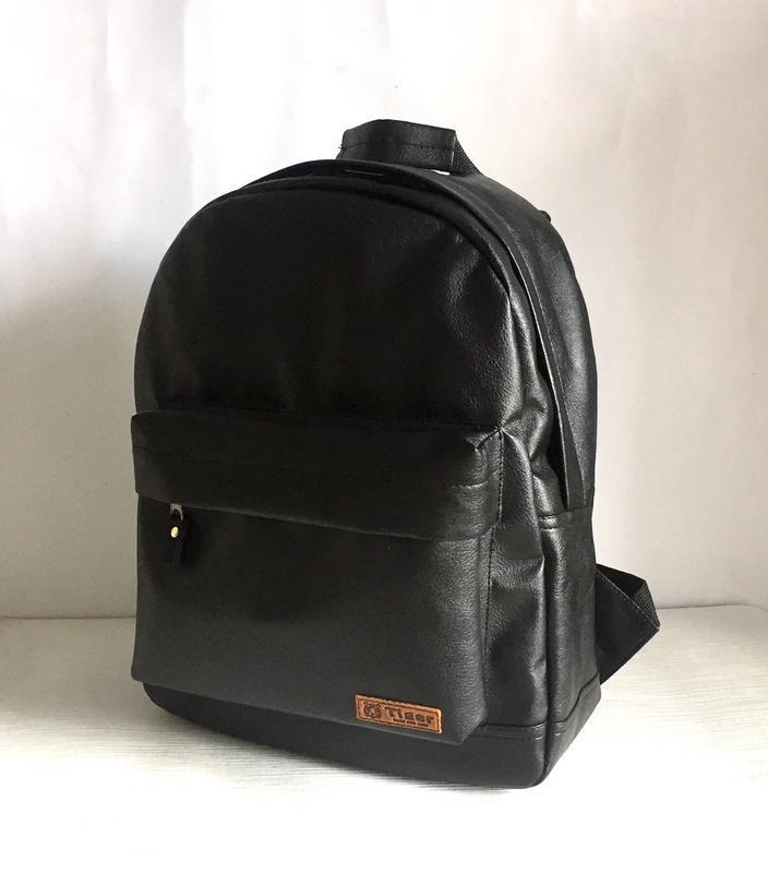 Городской рюкзак из экокожи черный