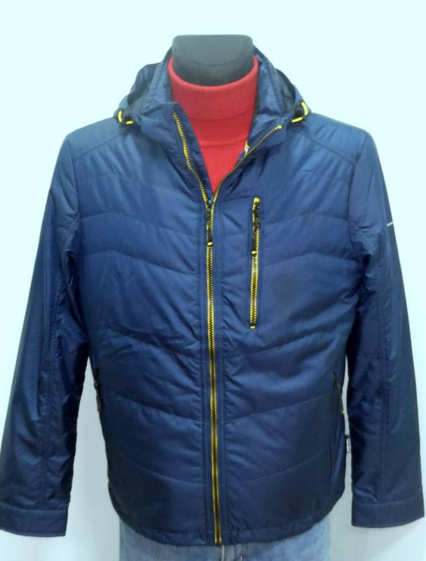 Осіння чоловіча куртка  BLACK VINYL 17-816