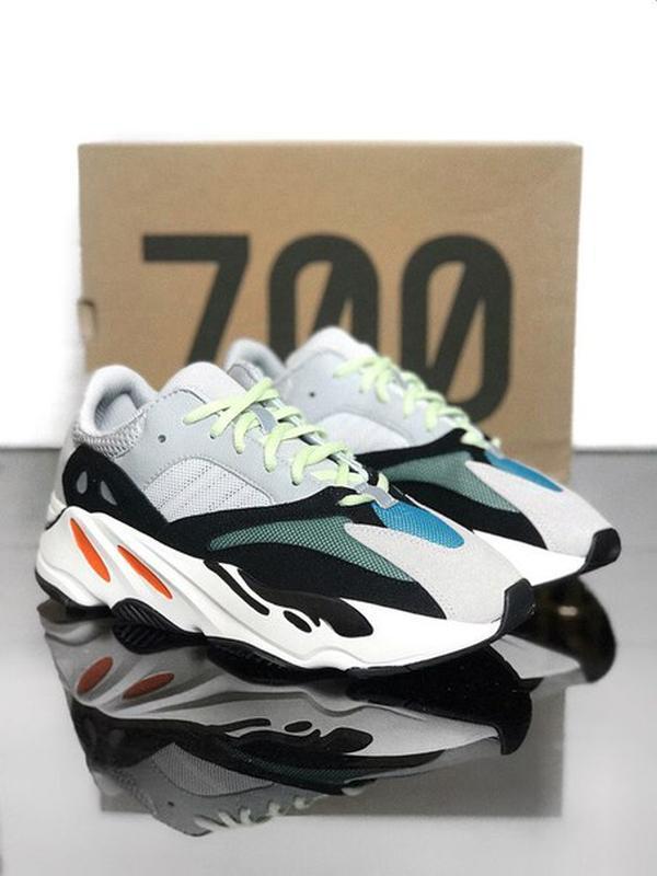 Чудесные кроссовки 💪 adidas yeezy 700 💪
