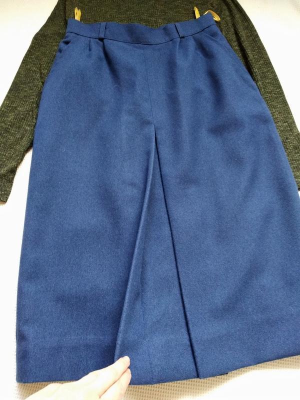 Классическая юбка спідниця миди с встречной складкой и карманами - Фото 3